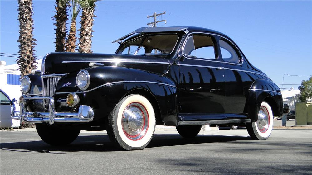 1941 FORD SUPER DELUXE BUSINESS COUPE - Front 3/4 - 154313