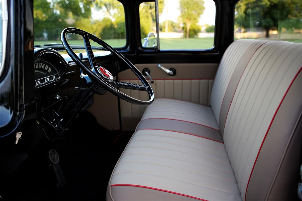 1956 FORD F-100 CUSTOM PICKUP - Interior - 154350
