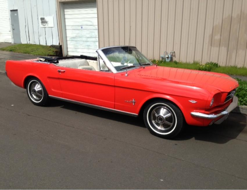 1965 FORD MUSTANG CONVERTIBLE - Front 3/4 - 154353