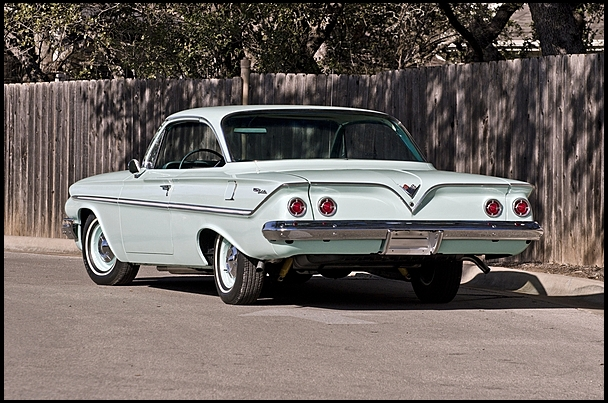 1961 CHEVROLET BEL AIR 2 DOOR COUPE - Rear 3/4 - 154464