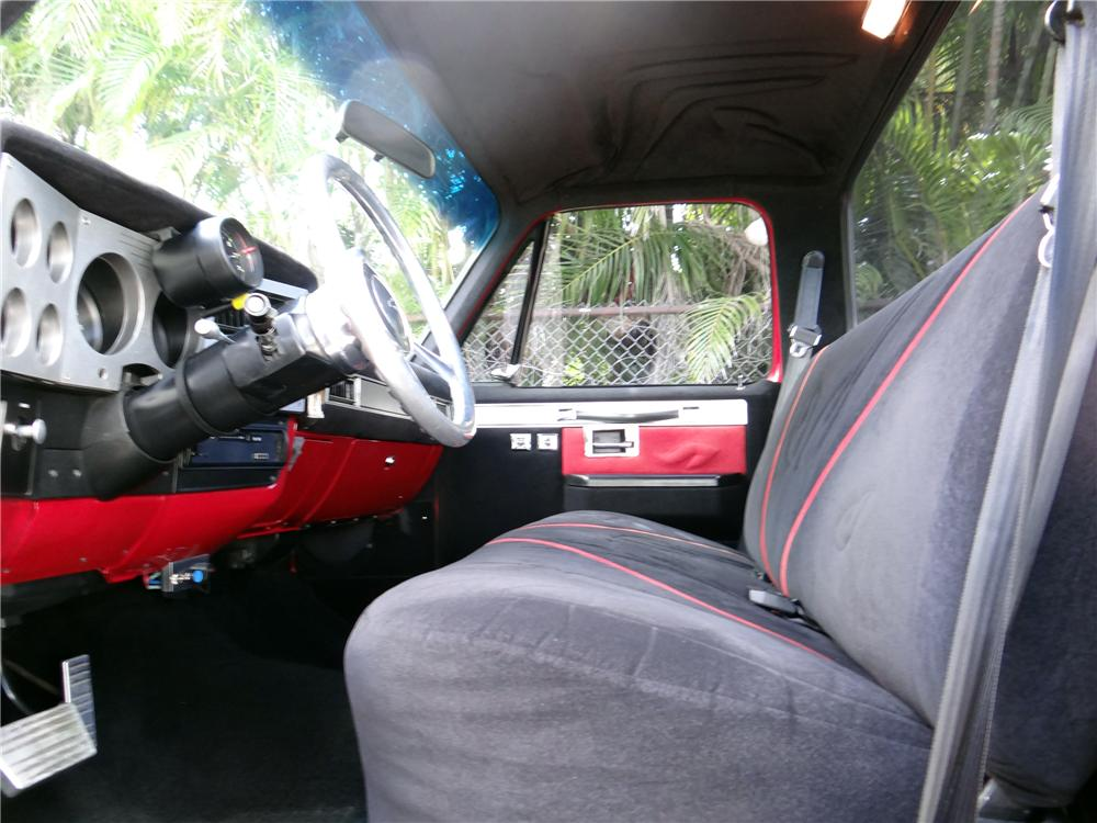 1986 CHEVROLET C-10 CUSTOM PICKUP - Interior - 154477