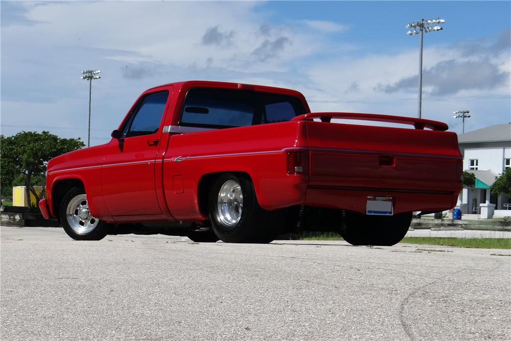1986 CHEVROLET C-10 CUSTOM PICKUP - Rear 3/4 - 154477