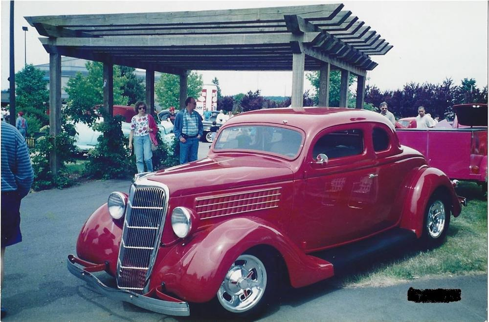 1935 FORD 5 WINDOW CUSTOM COUPE - Front 3/4 - 154753