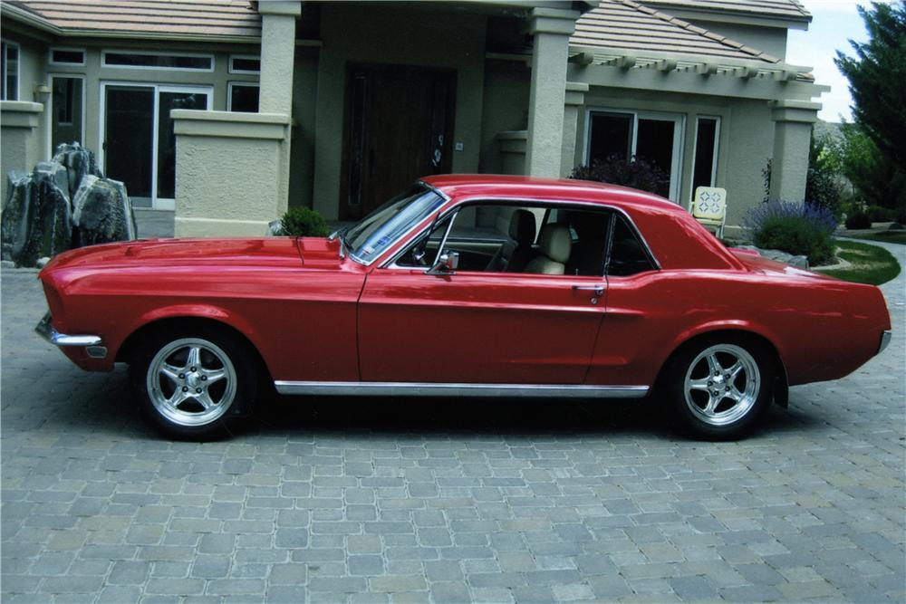1968 FORD MUSTANG CUSTOM 2 DOOR COUPE - Side Profile - 154763