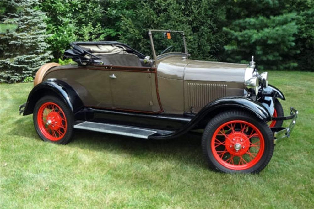 1928 FORD MODEL A ROADSTER - Front 3/4 - 154798