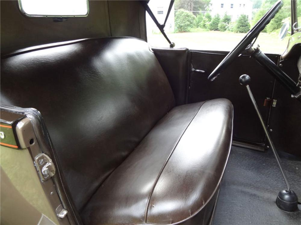 1928 FORD MODEL A ROADSTER - Interior - 154798