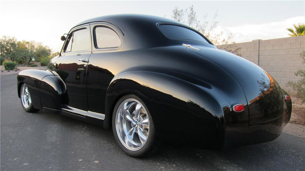 1946 CHEVROLET 5 WINDOW CUSTOM 2 DOOR COUPE - Rear 3/4 - 154805