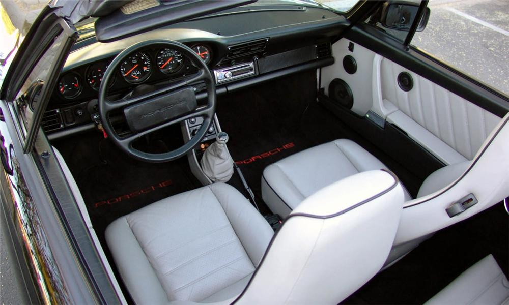 1988 PORSCHE 930 TURBO CABRIOLET - Interior - 15483