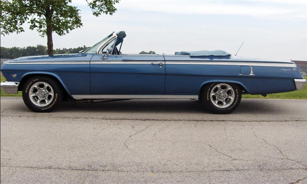 1962 CHEVROLET IMPALA SS CUSTOM CONVERTIBLE - Front 3/4 - 15514