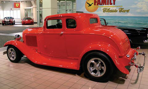1932 FORD 5 WINDOW COUPE - Front 3/4 - 15523