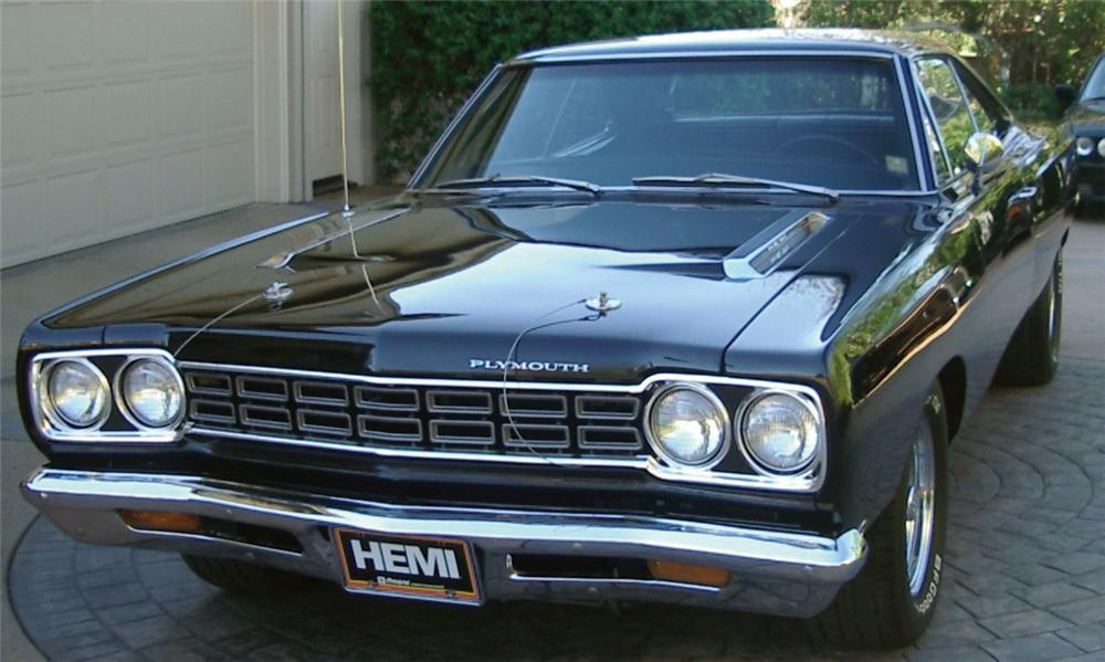 1968 PLYMOUTH HEMI ROAD RUNNER COUPE - Front 3/4 - 15527