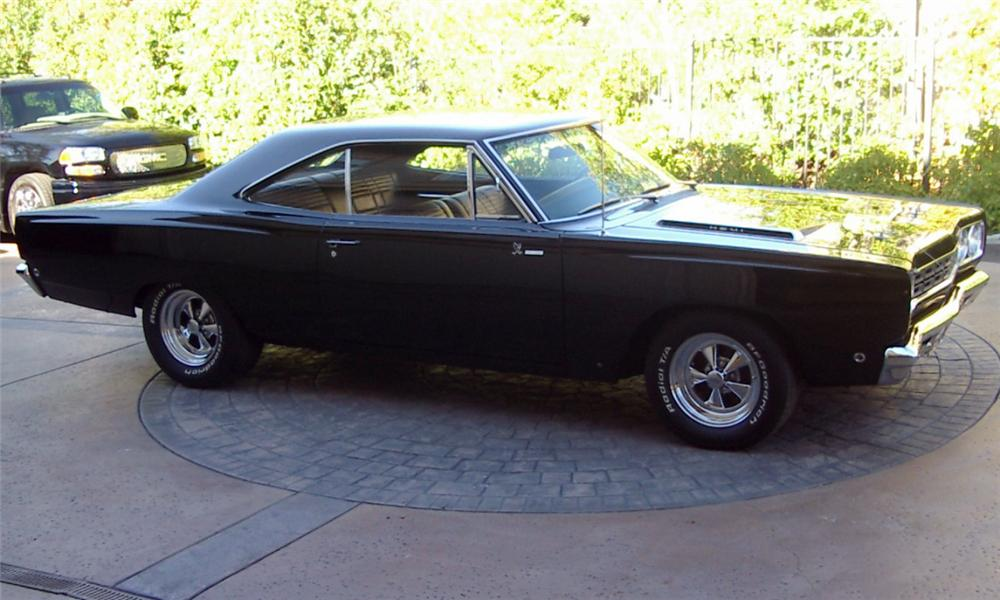 1968 PLYMOUTH HEMI ROAD RUNNER COUPE - Side Profile - 15527