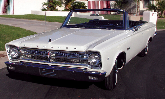 1965 PLYMOUTH BELVEDERE CONVERTIBLE - Front 3/4 - 15585