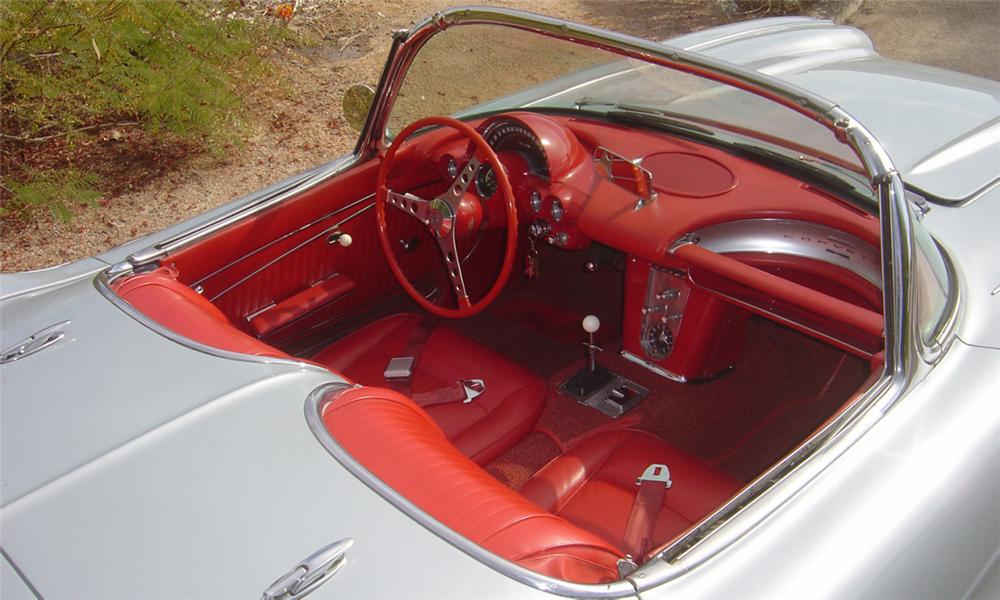1962 CHEVROLET CORVETTE 327 CONVERTIBLE - Interior - 15599