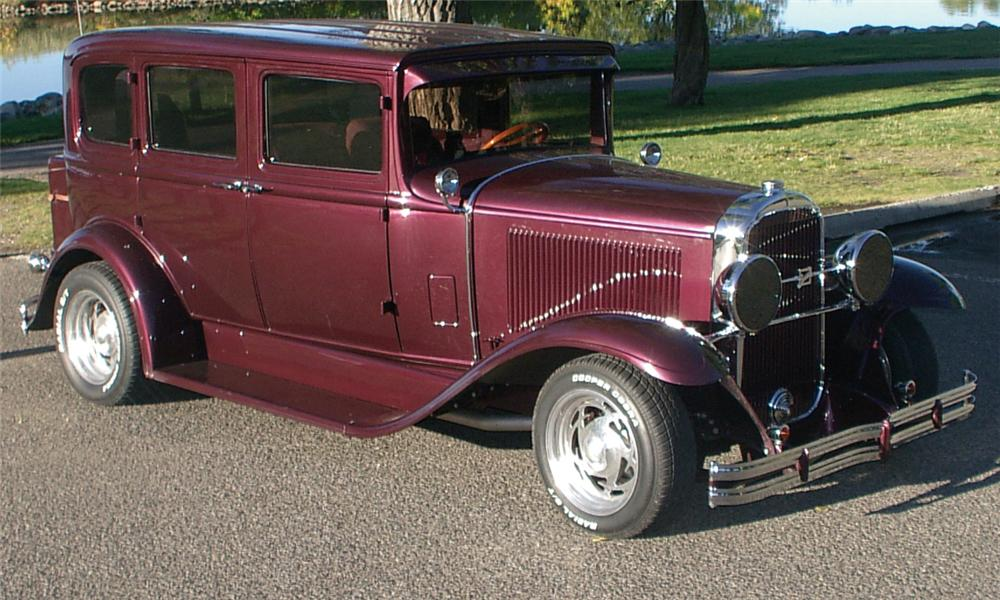 1931 BUICK MODEL 50 CUSTOM 4 DOOR SEDAN - Front 3/4 - 15650