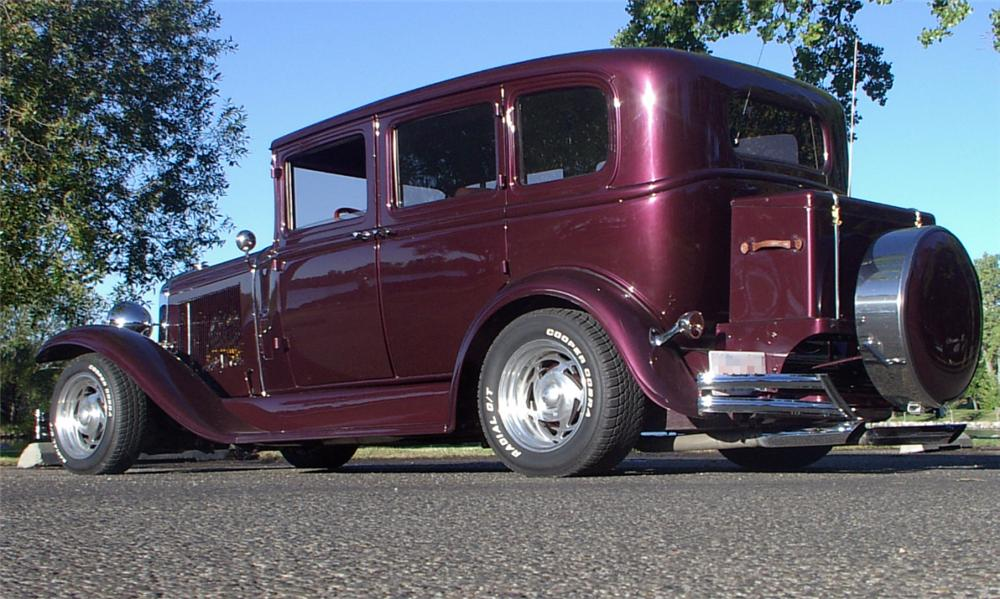 1931 BUICK MODEL 50 CUSTOM 4 DOOR SEDAN - Rear 3/4 - 15650