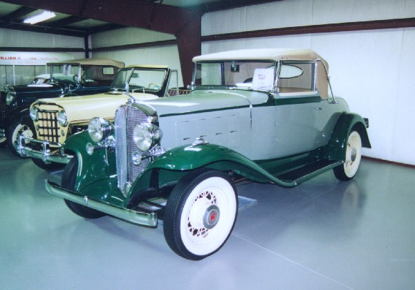 1932 PONTIAC MODEL 302 CONVERTIBLE COUPE - Front 3/4 - 15667