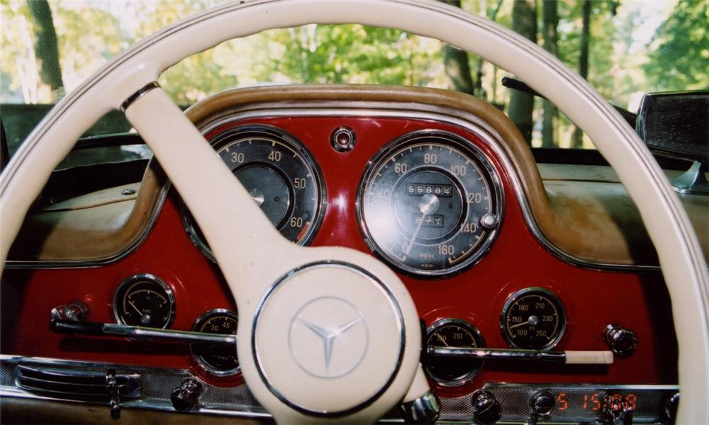 1957 MERCEDES-BENZ 300SL GULLWING COUPE - Interior - 15682