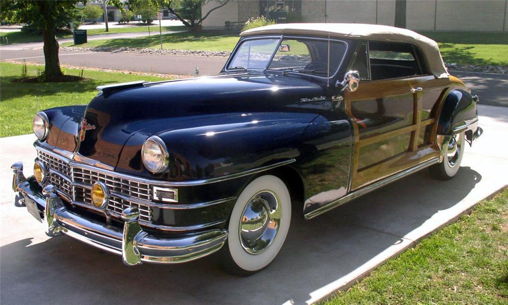 1947 CHRYSLER TOWN & COUNTRY CONVERTIBLE - Side Profile - 15704