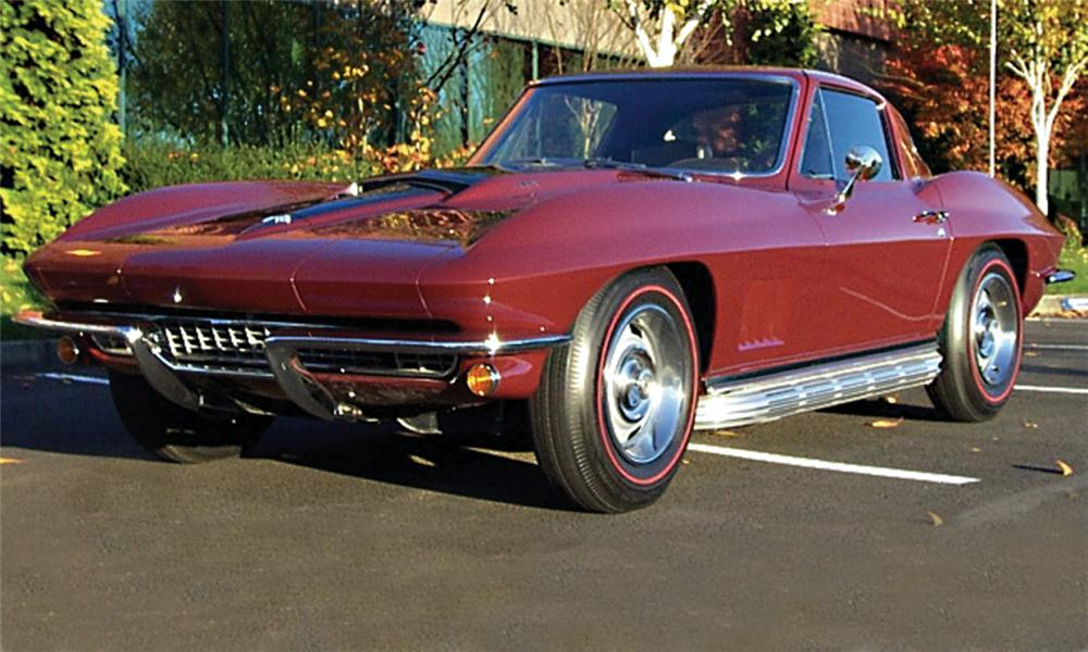 1967 CHEVROLET CORVETTE 427/400 COUPE - Front 3/4 - 15728