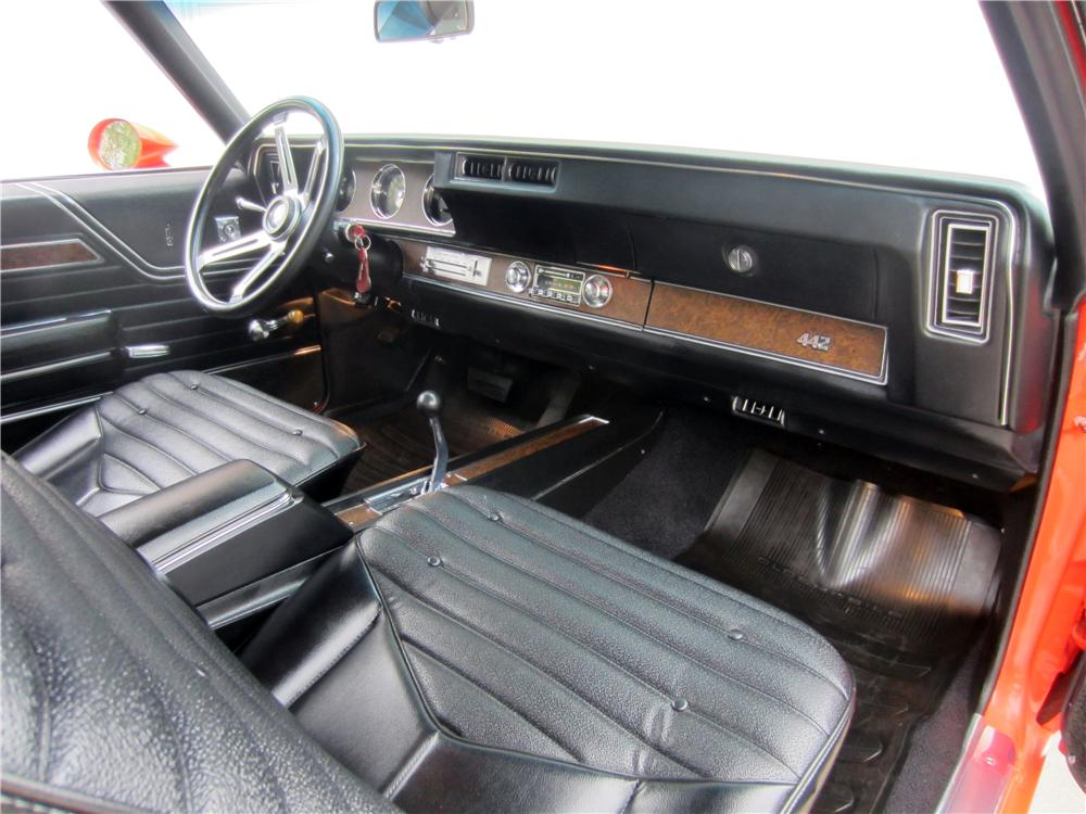 1970 OLDSMOBILE 442 W30 2 DOOR COUPE - Interior - 157305