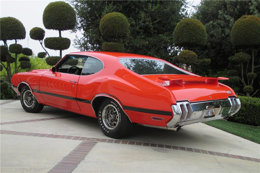 1970 OLDSMOBILE 442 W30 2 DOOR COUPE - Rear 3/4 - 157305