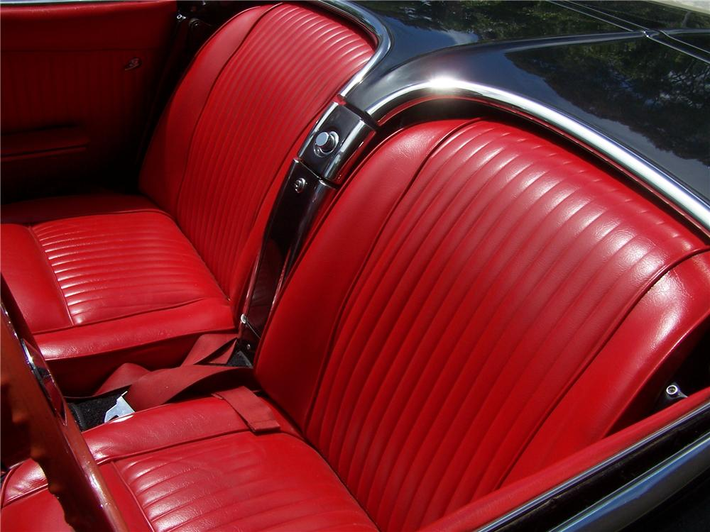 1962 CHEVROLET CORVETTE CUSTOM CONVERTIBLE - Interior - 157307