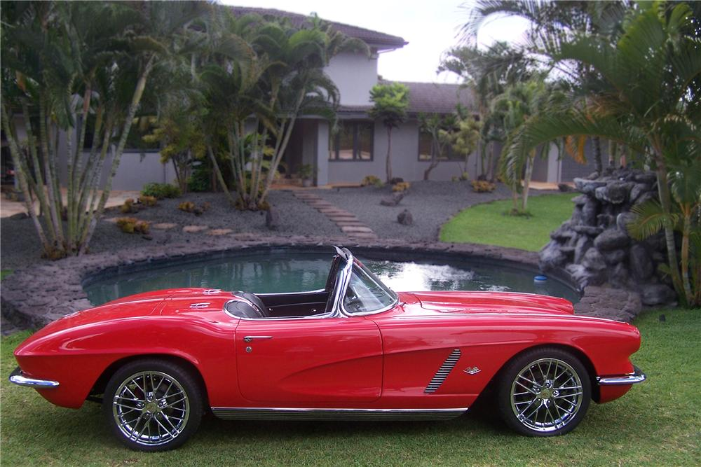 1962 CHEVROLET CORVETTE CUSTOM CONVERTIBLE - Side Profile - 157308
