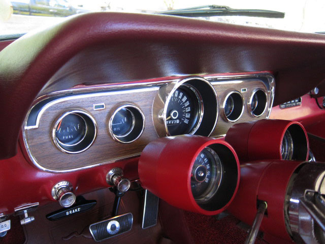 1966 FORD MUSTANG GT CONVERTIBLE - Interior - 157321