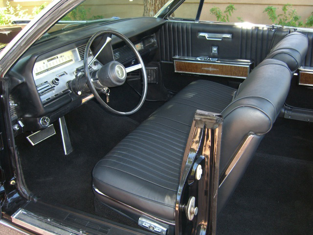 1967 LINCOLN CONTINENTAL CONVERTIBLE - Interior - 157322