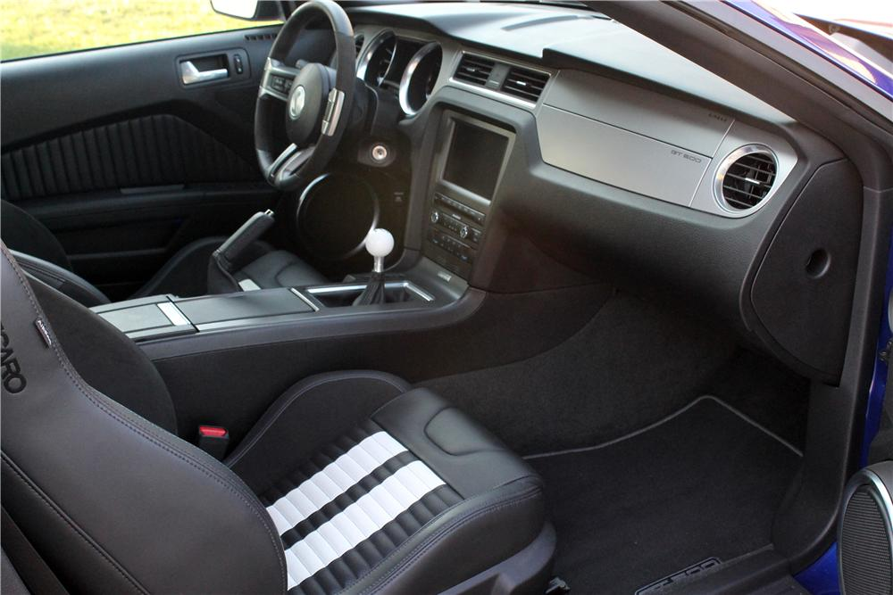 2013 SHELBY GT500 CONVERTIBLE - Interior - 157338
