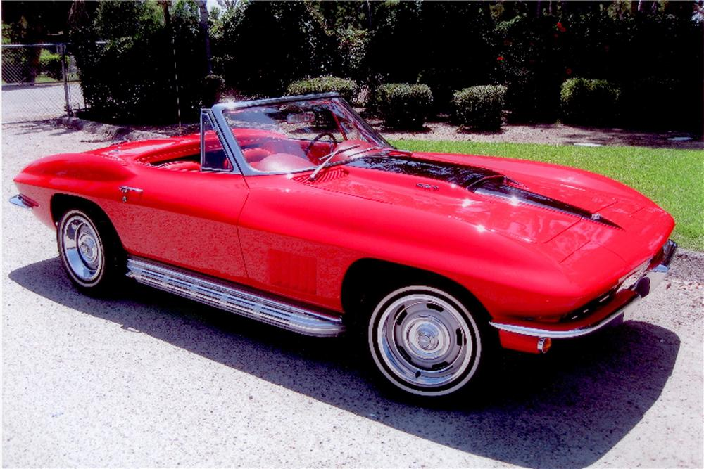 1967 CHEVROLET CORVETTE CONVERTIBLE - Front 3/4 - 157341