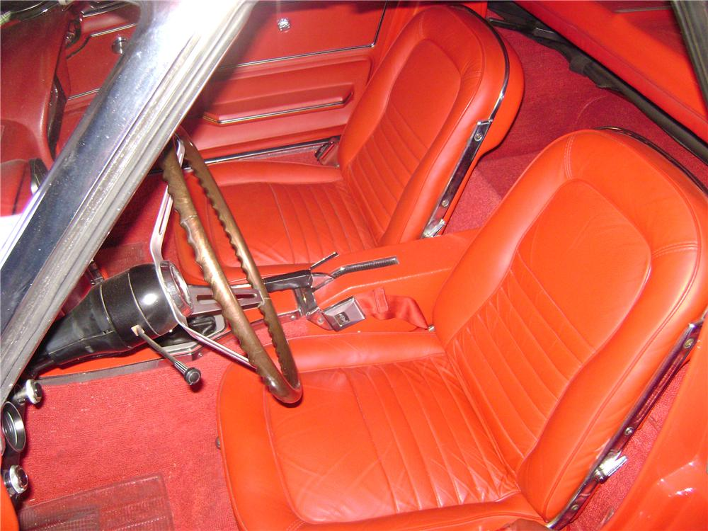 1967 CHEVROLET CORVETTE CONVERTIBLE - Interior - 157341