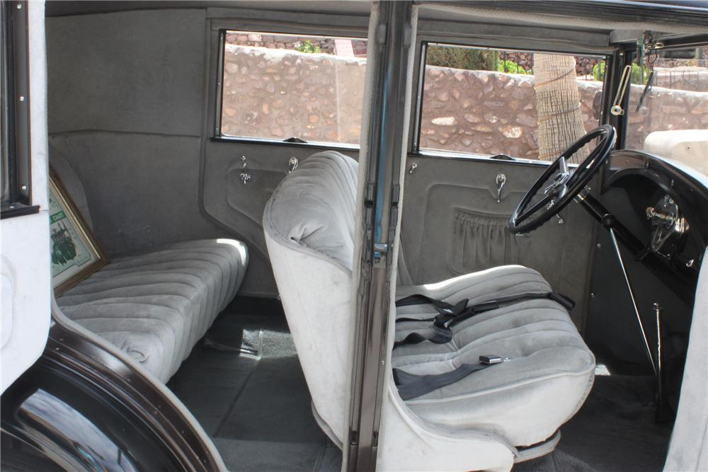 1930 FORD MODEL A 4 DOOR SEDAN - Interior - 157342