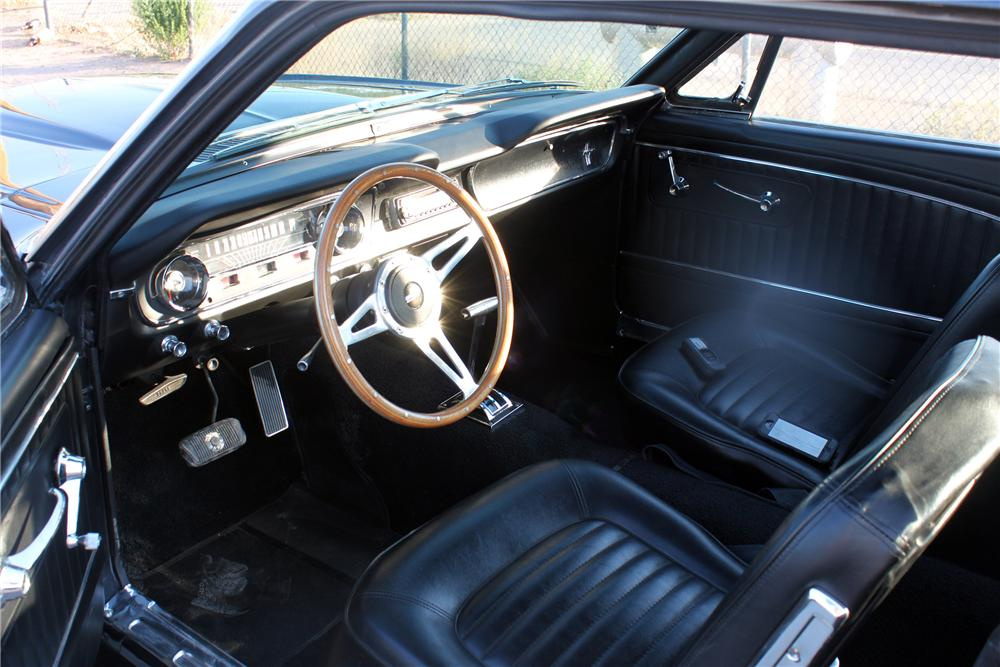 1965 FORD MUSTANG CUSTOM 2 DOOR COUPE - Interior - 157345