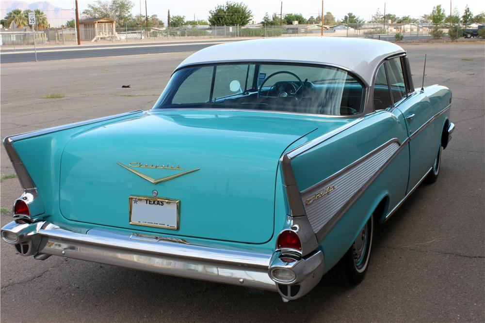 1957 CHEVROLET BEL AIR 2 DOOR HARDTOP - Rear 3/4 - 157354