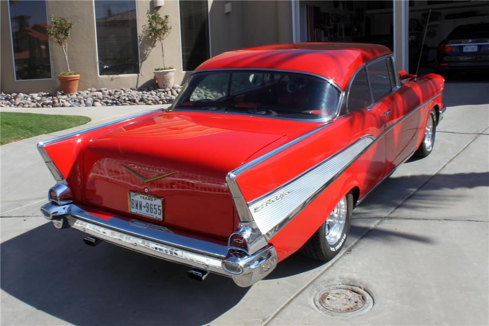 1957 CHEVROLET BEL AIR CUSTOM 2 DOOR HARDTOP - Rear 3/4 - 157355
