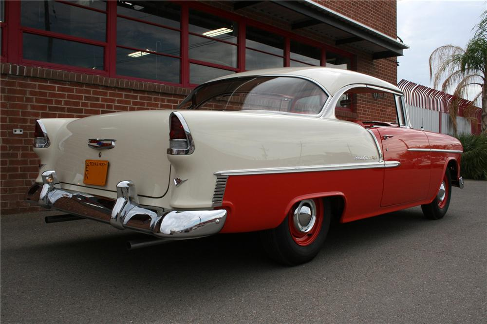 1955 CHEVROLET BEL AIR 2 DOOR HARDTOP - Rear 3/4 - 157361