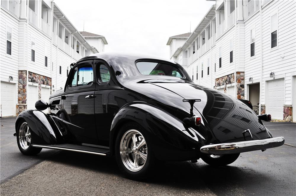 1937 CHEVROLET MASTER CUSTOM 2 DOOR COUPE - Rear 3/4 - 157366