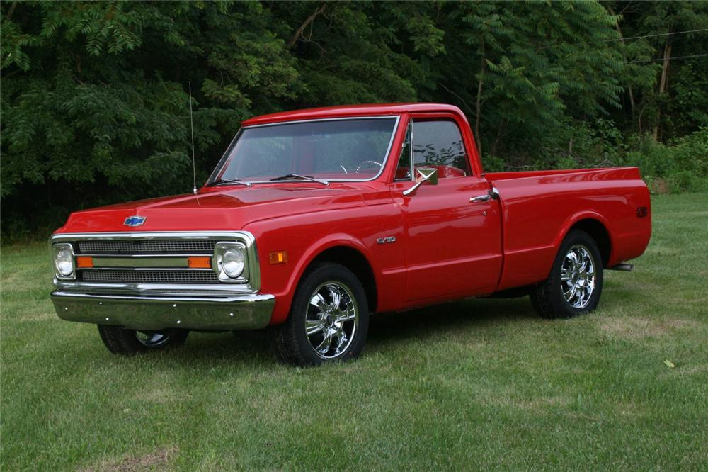 1970 CHEVROLET C-10 CUSTOM PICKUP - Front 3/4 - 157370