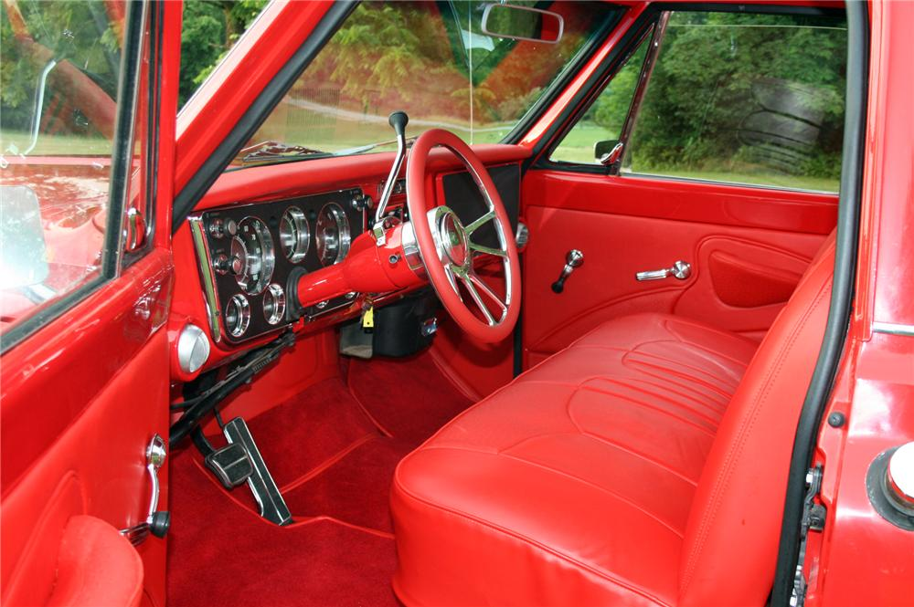 1970 CHEVROLET C-10 CUSTOM PICKUP - Interior - 157370