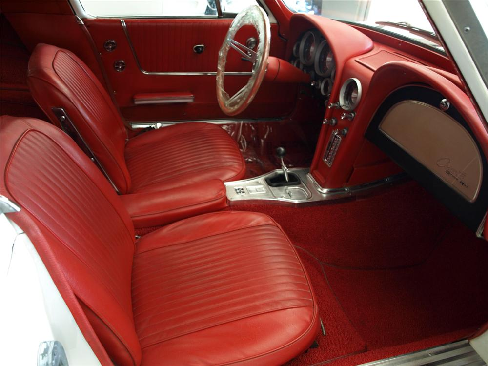 1963 CHEVROLET CORVETTE 2 DOOR COUPE - Interior - 157395