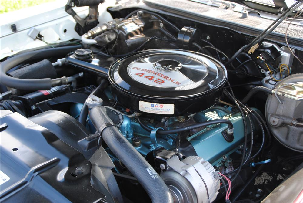 1970 OLDSMOBILE 442 CONVERTIBLE - Engine - 157402