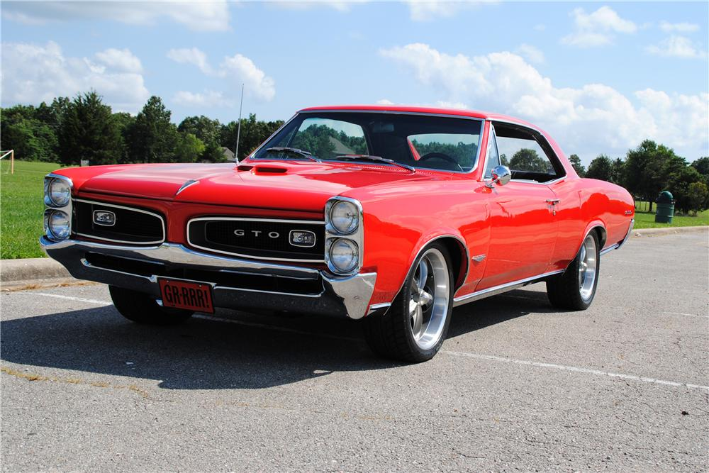 1966 PONTIAC GTO CUSTOM 2 DOOR COUPE - Front 3/4 - 157403