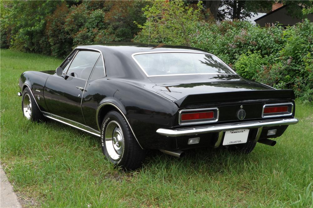 1967 CHEVROLET CAMARO RS CUSTOM 2 DOOR HARDTOP - Rear 3/4 - 157404