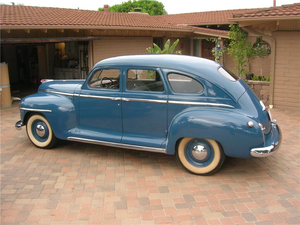 1946 plymouth deluxe 4 door sedan 157432
