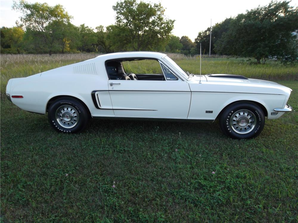 1968 FORD MUSTANG GT 428 CJ FASTBACK - Side Profile - 157459