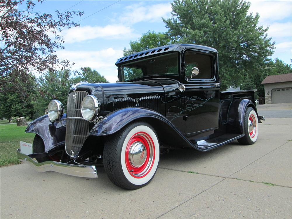 1934 FORD CUSTOM PICKUP - Front 3/4 - 157489