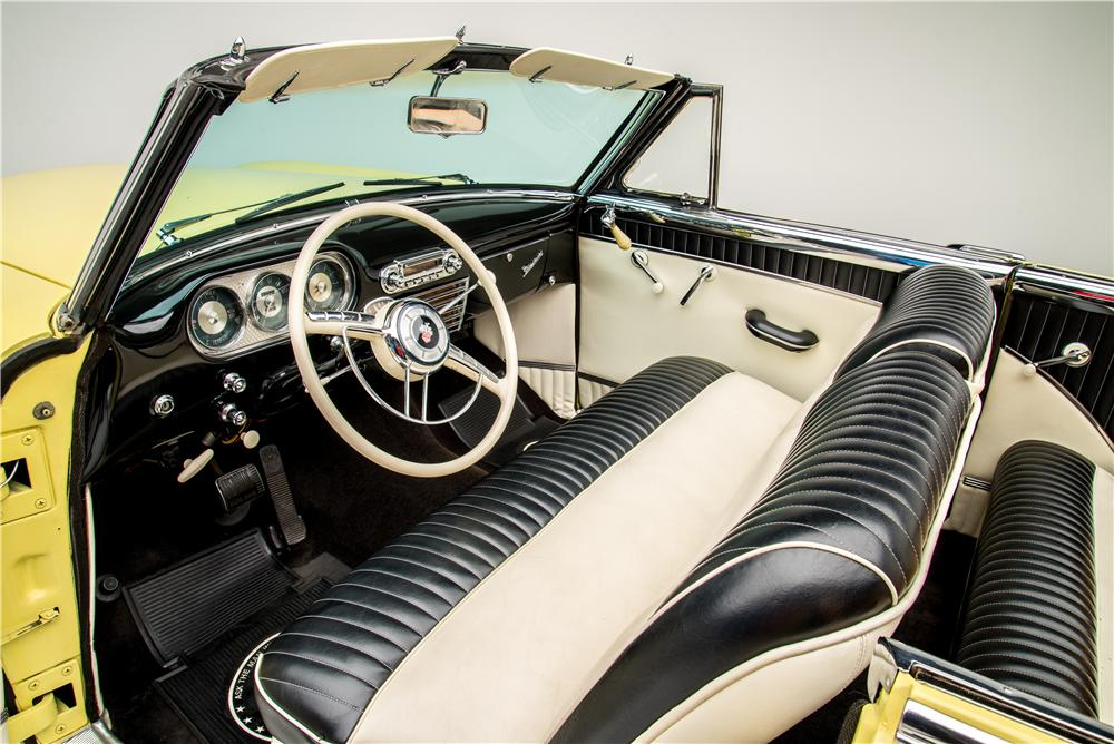 1953 PACKARD CARIBBEAN CONVERTIBLE - Interior - 157494