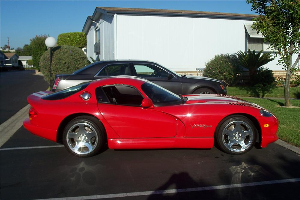 2002 DODGE VIPER GTS 2 DOOR COUPE - Side Profile - 157533